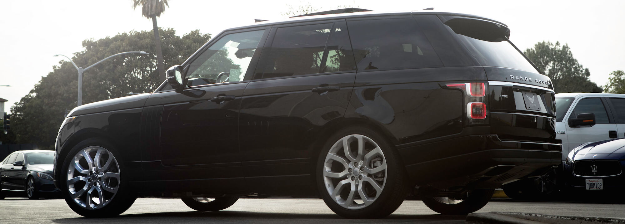 5 Reasons the Range Rover is the Perfect Car to Rent in Los Angeles
